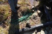 至仏山の東面登山道沿いの踏み出し防止柵の撤去を行いました